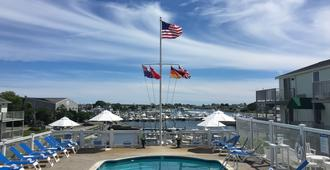 Anchor In Distinctive Waterfront Lodging - Hyannis