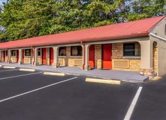 Econo Lodge - Opelika - Edificio