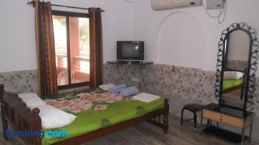 Leon Hide Out Guest House - Vasco da Gama - Bedroom
