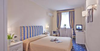 Napoleon Guesthouse - Rome - Bedroom