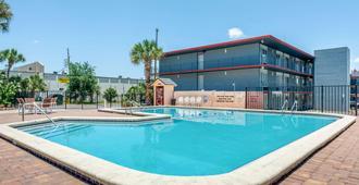 國際大道伊克諾酒店 - 奥蘭多 - 奧蘭多 - 游泳池