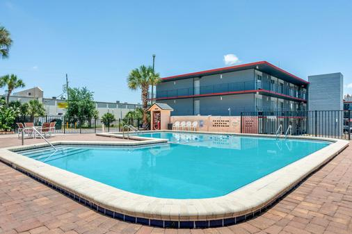 Econo Lodge International Drive - Orlando - Uima-allas
