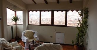 Black Sheep Hostel Cusco - Cusco - Living room