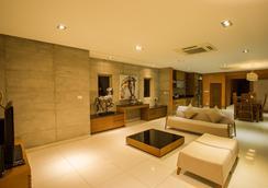 Villa Tantawan Resort And Spa - Камала - Лобби