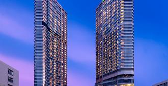 Crowne Plaza Hong Kong Kowloon East - Hongkong - Byggnad