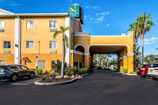 Quality Inn - Sarasota - Building