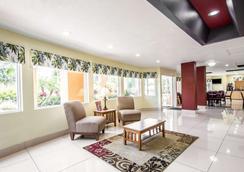 Quality Inn - Sarasota - Lobby