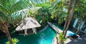 The Dipan Resort Petitenget - Kuta - Piscina
