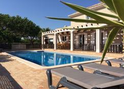Quinta do Pinheiro Manso - Holidays Villa - Marinha Beach - Porches - Pool