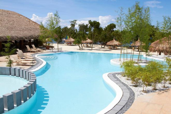 Bluewater Panglao Beach Resort - Panglao - Pool