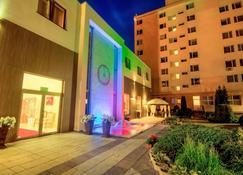 Confero - Nysa - Building