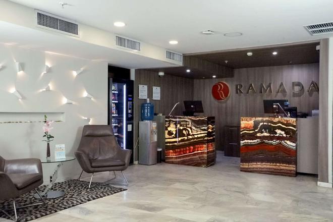 Ramada Panama Centro via Argentina - Panama City - Lobby