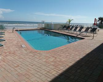 Holiday Shores Beach Club - Daytona Beach Shores - Pool