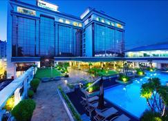 โรงแรมแกรนด์ เปรอังเงร์ - บันดุง