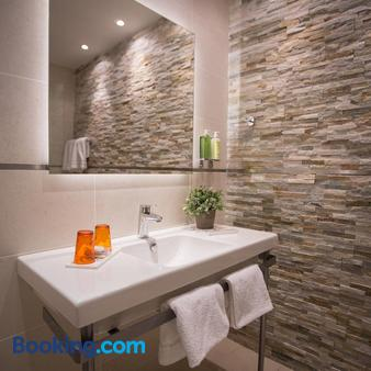 Hôtel De France - Valence - Bathroom
