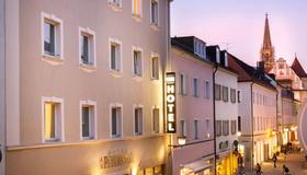 Hotel am Peterstor - Regensburg - Building
