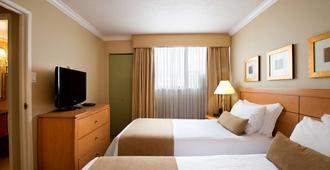 Sunset Inn And Suites - Vancouver - Yatak Odası