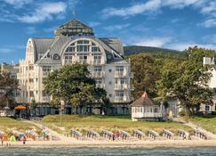 Hotel Am Meer & Spa - Binz - Building