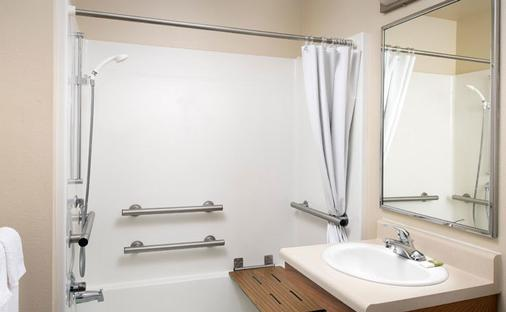 Woodspring Suites Denver Aurora - Aurora - Bathroom
