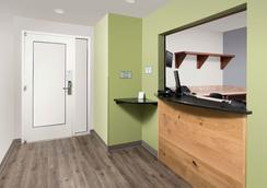 Woodspring Suites Denver Aurora - Aurora - Room amenity
