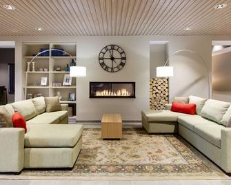 Country Inn & Suites by Radisson, Germantown, WI - Germantown - Obývací pokoj