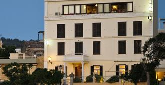 Doma - Chania - Building