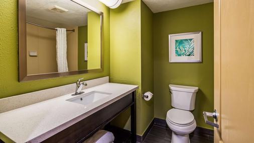 Best Western PLUS Sanford Airport/Lake Mary Hotel - Sanford - Bathroom