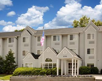Microtel Inn by Wyndham Winston-Salem - Винстон-Сейлем - Building