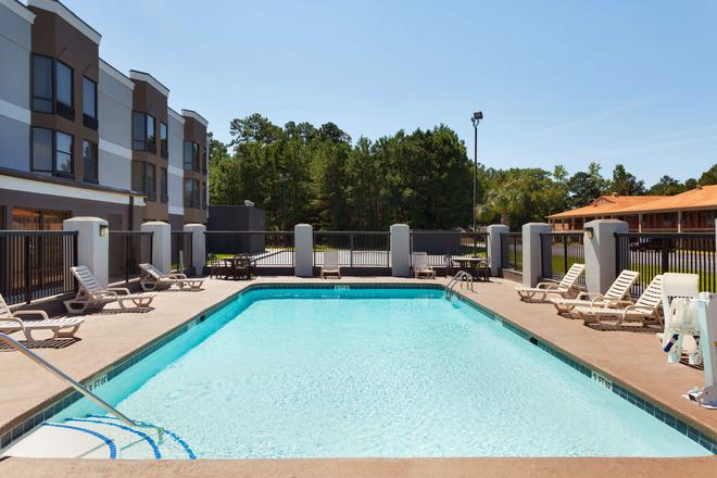 Country Inn & Suites by Radisson, Florence, SC - Florence - Pool