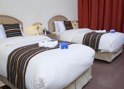 Haffa House Hotel - Ruwi - Bedroom