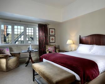 Macdonald New Blossoms Hotel - Chester - Bedroom