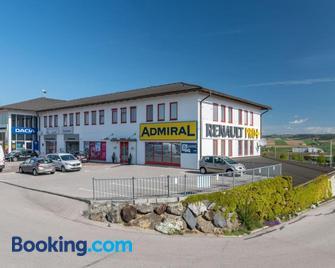 Sleepin Premium Motel Loosdorf - Loosdorf - Building