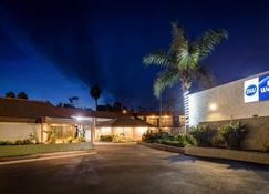 Best Western Oceanside Inn - Oceanside - Building