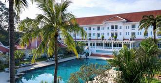 Raffles Grand Hotel d'Angkor - Ciudad de Siem Riep - Edificio