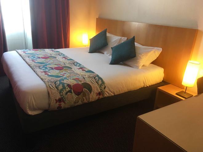 貝斯特韋斯特阿德吉奧酒店 - 索木爾 - 索米爾 - 臥室