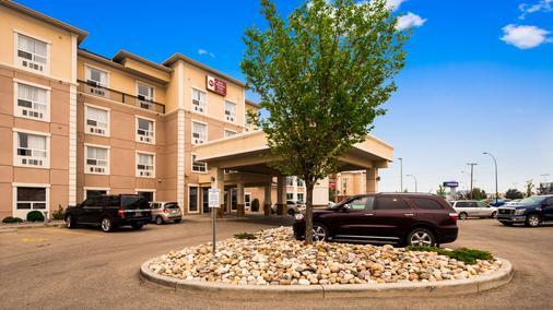 Best Western Plus South Edmonton Inn & Suites - Эдмонтон - Здание