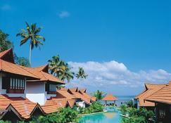 Kumarakom Lake Resort - Kumarakom - Πισίνα