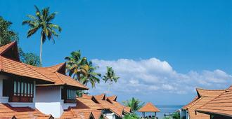 Kumarakom Lake Resort - Kumarakom - Πισίνα
