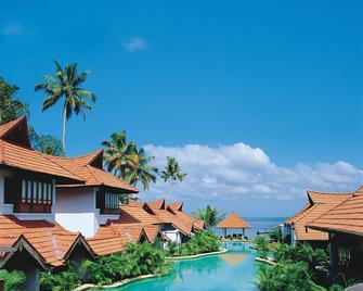 Kumarakom Lake Resort - Kumarakom - Pool