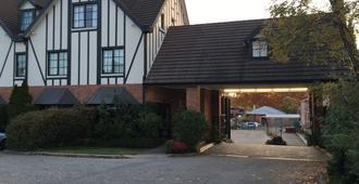 Albury Manor House - Albury - Toà nhà