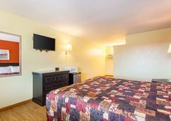 Rodeway Inn - Roswell - Bedroom