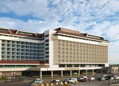 The Heritage Hotel Manila - Manila - Building