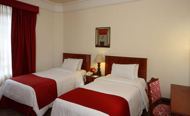Best Western Hotel Majestic - Mexico City - Bedroom