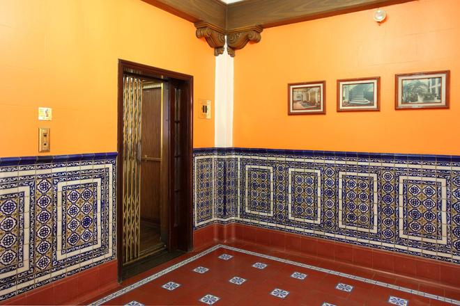Best Western Hotel Majestic - Mexico City - Building