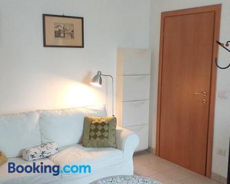 Casa Tonino - Pisticci - Wohnzimmer