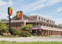Super 8 by Wyndham Marysville - Marysville - Building