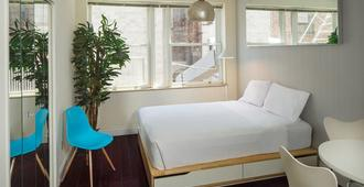 One Bedroom Self-Catering Apartment Little Italy - New York - Camera da letto