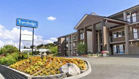 Travelodge by Wyndham Kamloops Mountview - Kamloops - Building