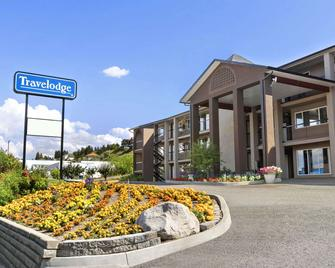 Travelodge by Wyndham Kamloops Mountview - Kamloops - Building