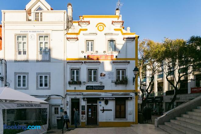 Cascais Bay Hostel - Cascais - Building